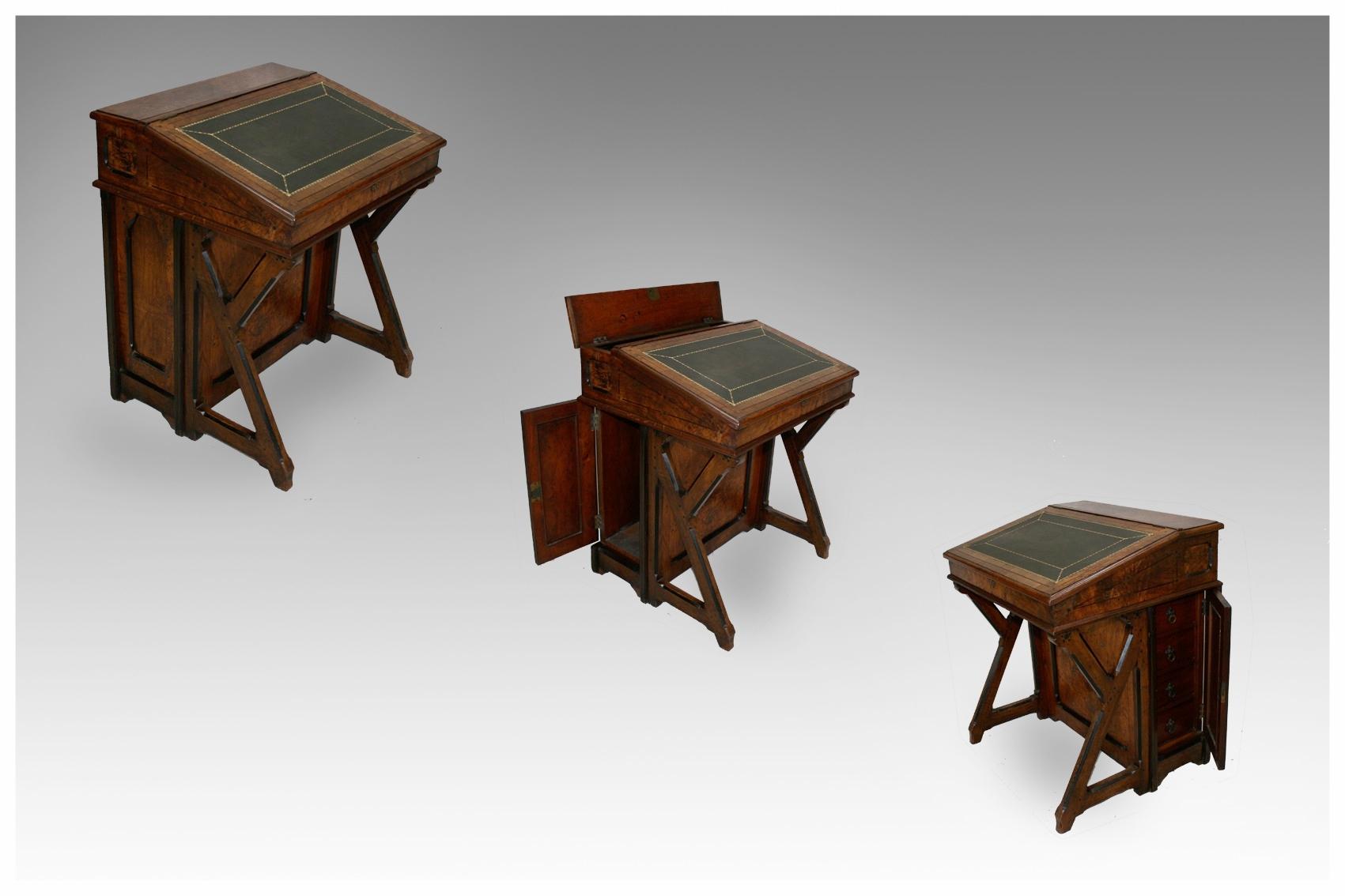 Desks Library Tables and Bureaux