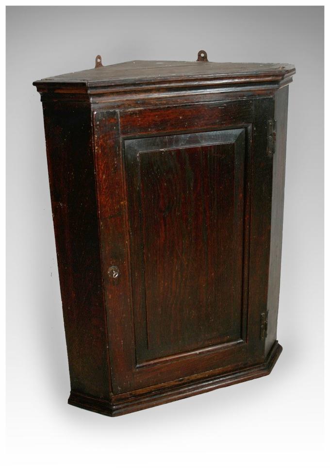 A George III Oak Corner Cupboard with fielded panel. (25x31.5h) £475 - Corner Cupboards